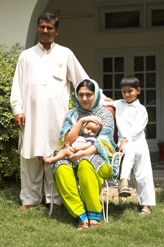 라시드네 가족 사진.