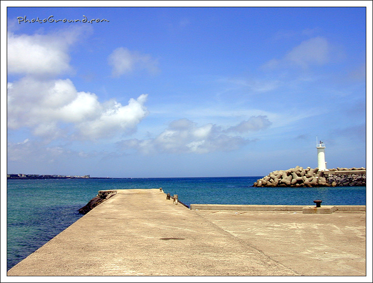 Guiding Light, Pyoseon Breakwater