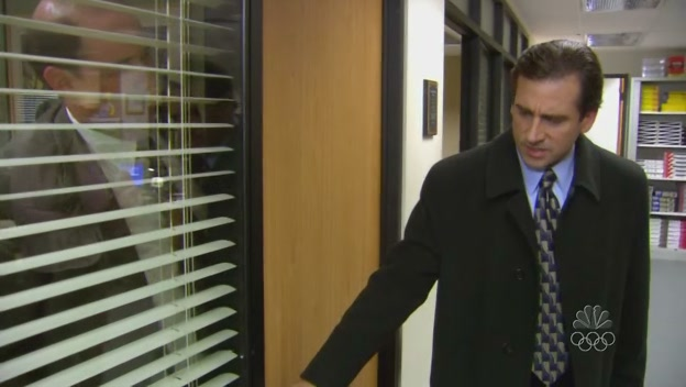 자기 사무실에 케빈을 가둬버린 마이클